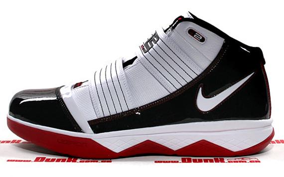 Nike Zoom LeBron Soldier III - Playoff