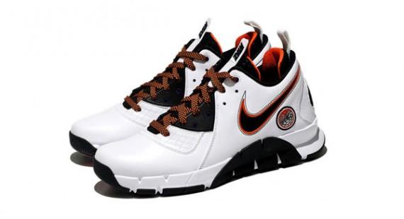 ba6490135d670 Nike Playoff Pack - Zoom MVP - Steve Nash PE - SneakerNews.com
