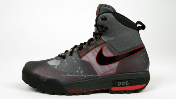 Nike ACG Ashiko Boot Grey Red Black Holiday 09