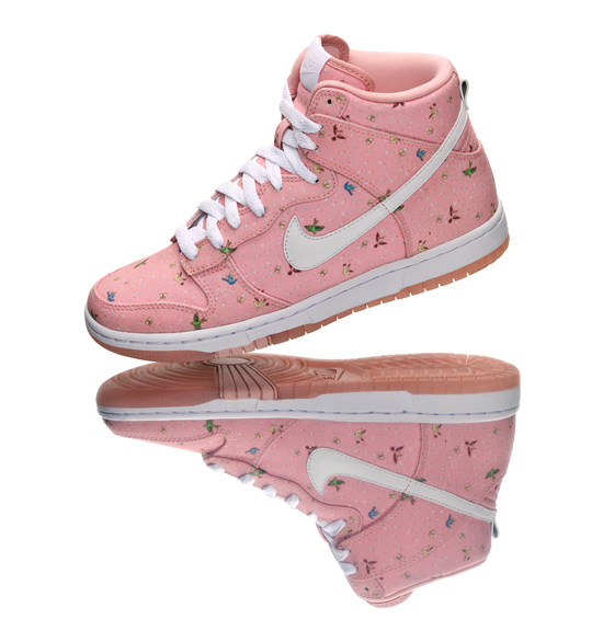 the latest f13bf 21427 Nike x Paule Marrot - Doves  Butterflies - Womens Dunk High Skinny -  SneakerNews.com