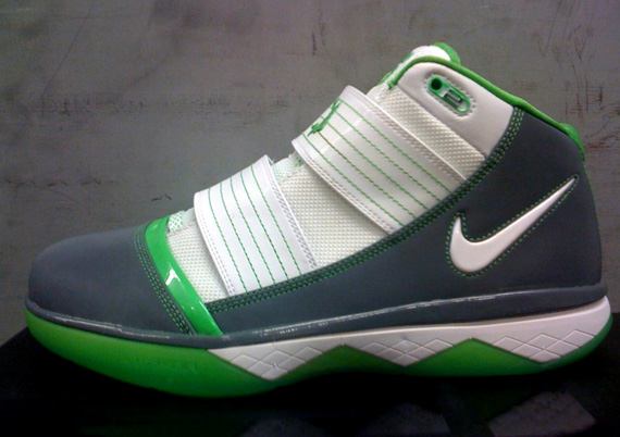 Nike Zoom LeBron Soldier III Dunkman HOH Tomorrow