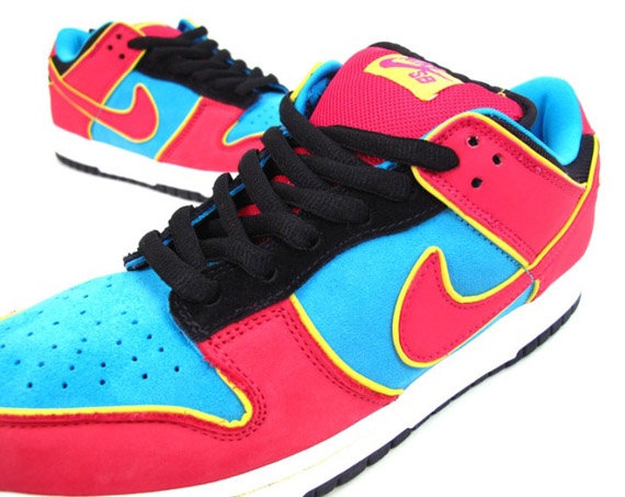 the latest bfb31 aab39 Nike Dunk Low SB - Ms. Pacman - SneakerNews.com