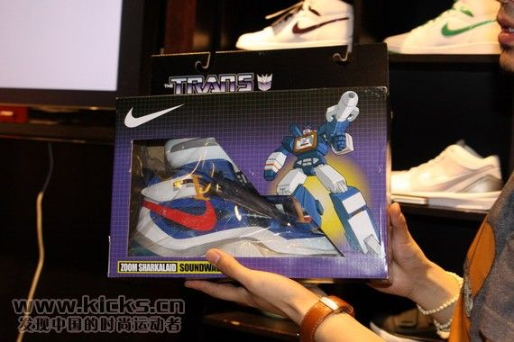 nike-basketball-x-transformers-ii-pack-sharkalaid-1