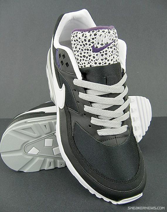 nike-classic-bw-black-silver-purple-safari-1