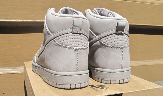 nike-dunk-high-supreme-qs-try-on-3