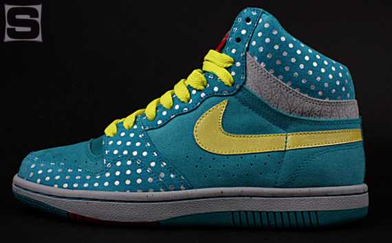 nike-wmns-clash-pack-9