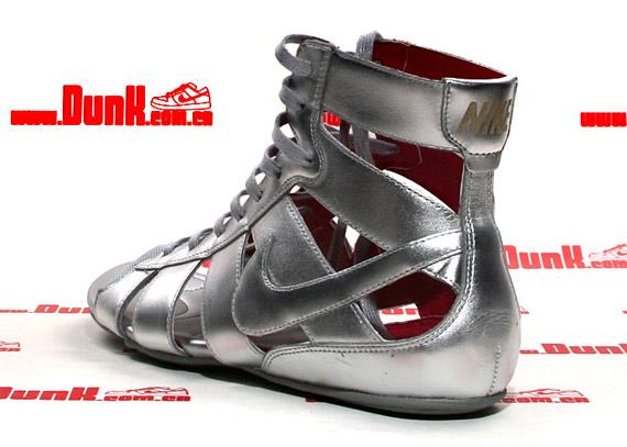 nike-wmns-gladiator-mid-silver-4