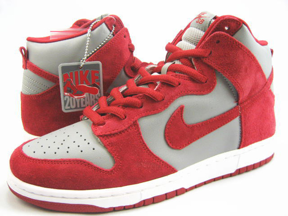 Color: Medium Grey/Varsity Red Style: 305050-o61. Release Date: October  2005. >