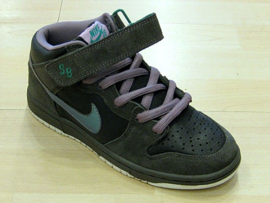 competitive price 226ca ed4df Nike Dunk Mid SB - Northern Lights - SneakerNews.com