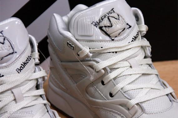 Jean-Michel Basquiat x Reebok Pump Omni Lite - SneakerNews.com d9a8c63d2