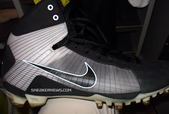 nike light training shoes old nike football cleats