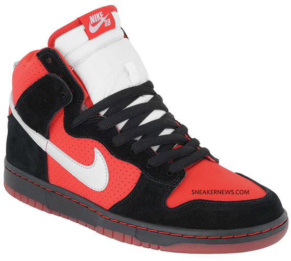 nike-sb-dunk-black-red