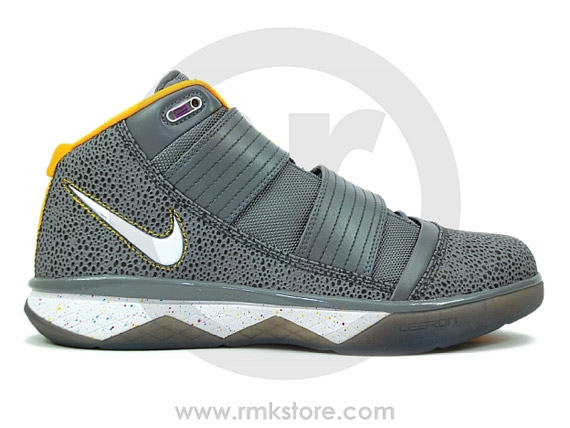 7b84724b9b3 Forever Young  Nike Zoom LeBron Soldier III - Cool Grey Reptile