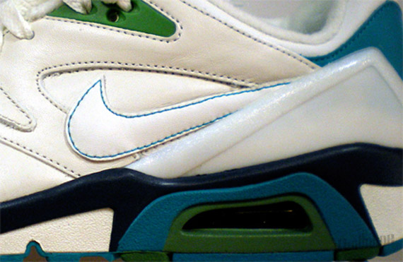 Nike-Structure-Wmns-Spring-2010-2
