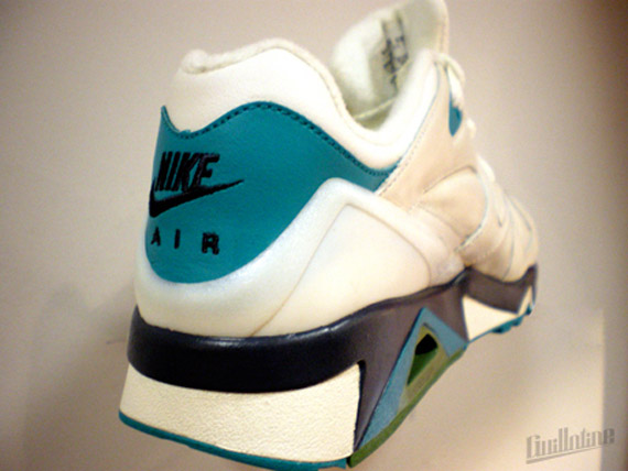 Nike-Structure-Wmns-Spring-2010-3