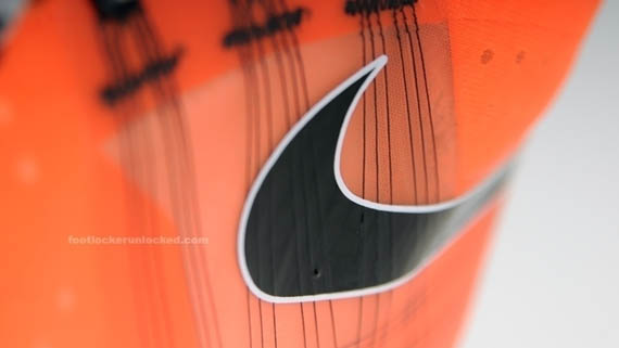 nike-acg-ashiko-boot-total-orange-09