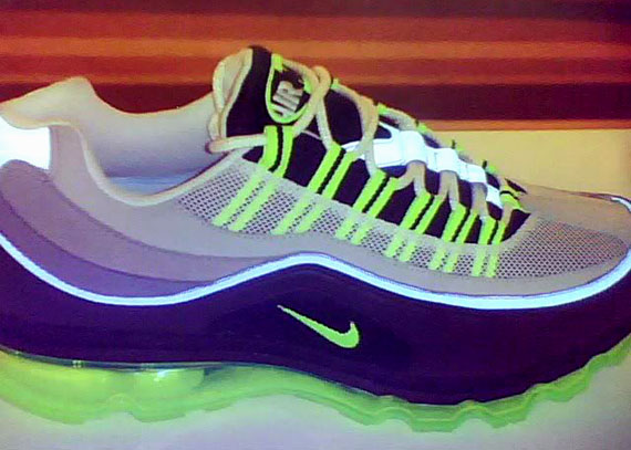 Nike Air Max 24/7 Sneak Preview