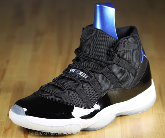 Air Jordan XI (11) Space Jam - SneakerNews.com 77341b38b