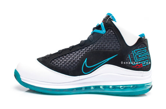 nike-lebron-7-red-carpet-5