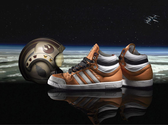 Milímetro tiburón trampa  Star Wars x adidas Skywalker - Available - SneakerNews.com