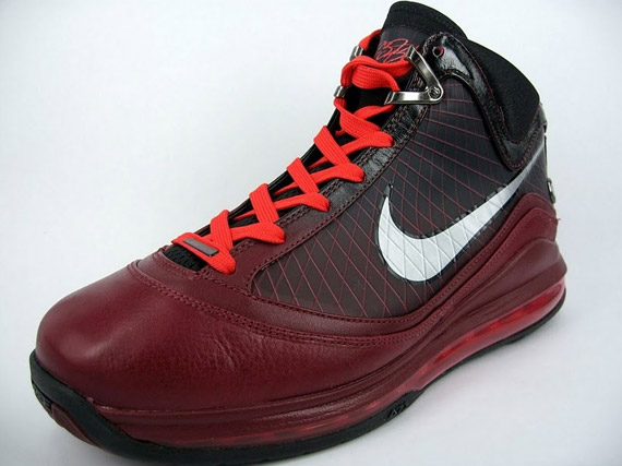 Nike Air Max LeBron VII - Christmas Edition - Release Reminder ...