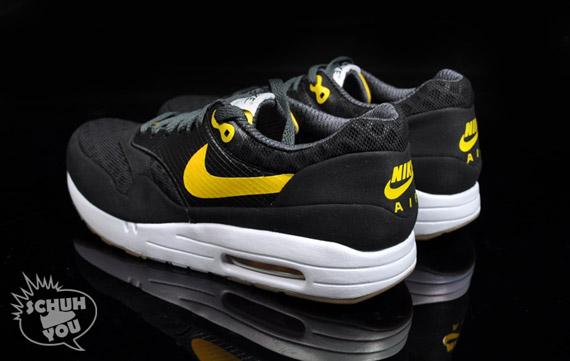 Nike-Air-Maxim-1-Torch-ND-Black-Varsity-Maize-5