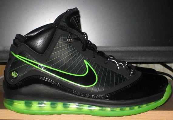 f5ac04f0d5 Nike Air Max LeBron VII (7) - Dunkman - New Images - SneakerNews.com