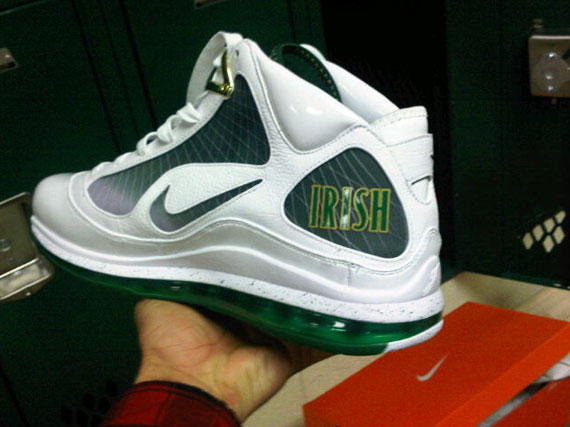 premium selection 8d95e 8e982 good Nike Air Max LeBron VII 7 SVSM Home PE First Look