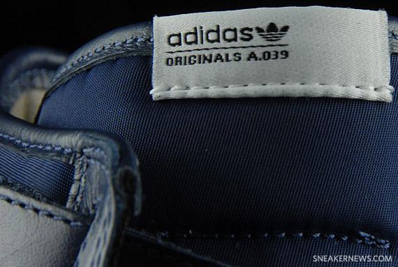 Dinamarca Dinamarca Despedida  adidas Originals Full Back - Crimson + Dark Indigo - A.039 Collection -  SneakerNews.com