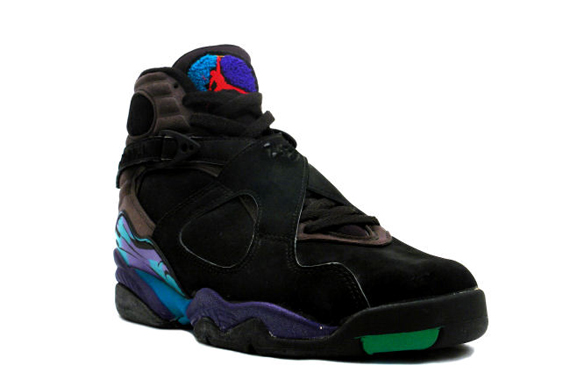 228427cf9d3161 ... a sweet blend of concord and aqua colors on the heel. This same combo  is used on the terrycloth Jumpman logo on the tongue