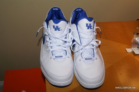 University Of Kentucky Nike Basketball Shoes