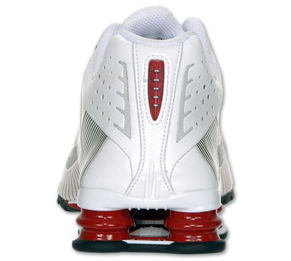 Nike Shox R4 Flywire