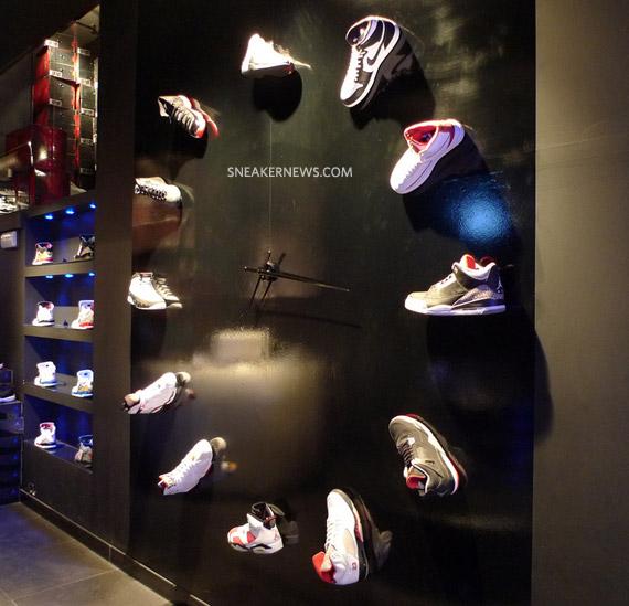 jordan shoe clock