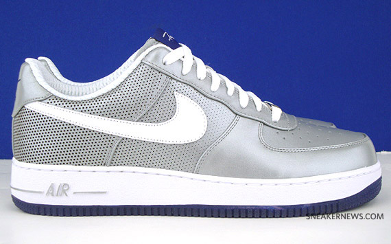 a2da68367 Futura x NY Yankees x Nike Air Force 1 - Metallic Silver