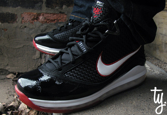 Especificado Revelar Incompetencia  Nike Air Max LeBron VII x Air Jordan XI - Heroes Pack | New Images -  SneakerNews.com