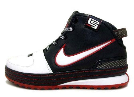"Nike LeBron VI ""Chalk"" (2008)"