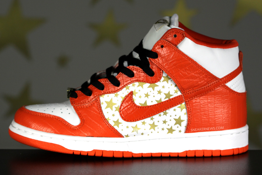 Supreme Nike Dunk High