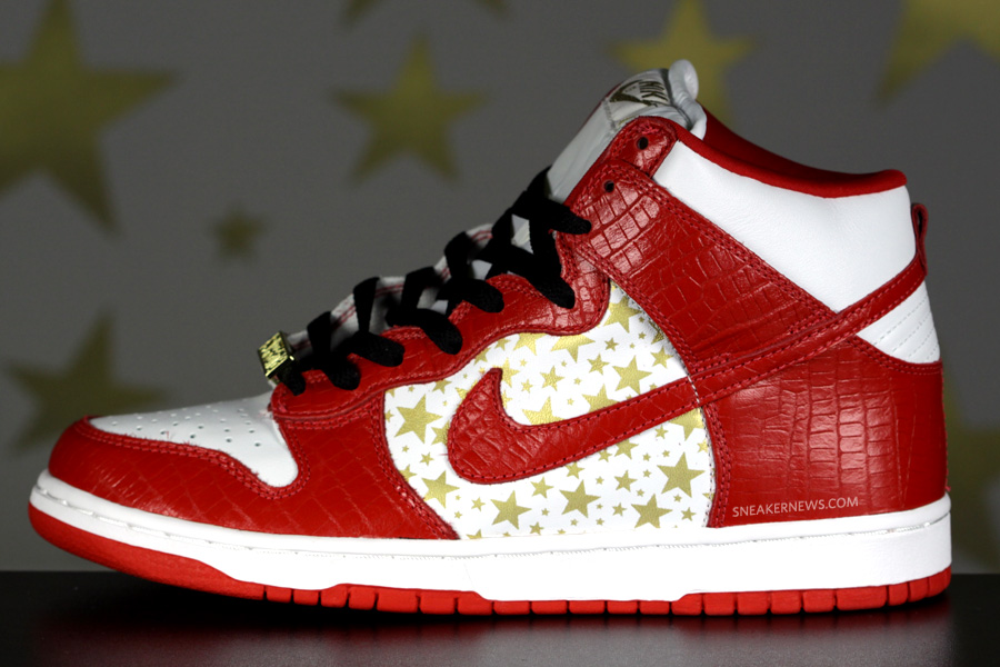 55dd93a283 Supreme s second collaboration produced three great colorways of the Nike  SB Dunk High. The red colorway was a tribute to the St. John s University  colorway ...