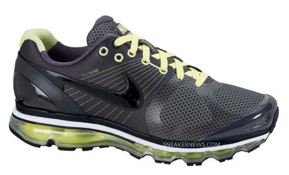 2010 Air Max Shoe