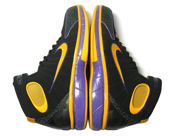 f21bd4b8d762 Nike Zoom Huarache 2k4 - VIVO Sample - SneakerNews.com