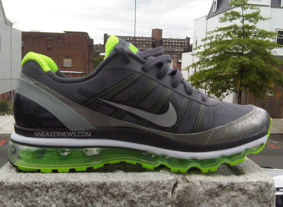 Nike Air Max 2010 - Unreleased Sample - SneakerNews.com