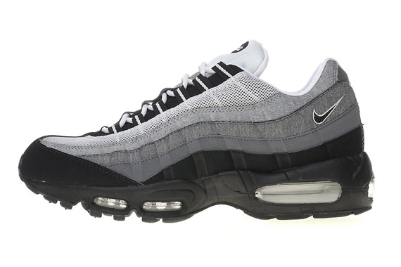lowest price 9b5e6 1680b ... this latest 95 release now over at JDSports. Advertisement