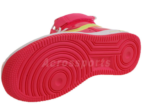 Nike WMNS Air Force 1 High Pink Flash Volt