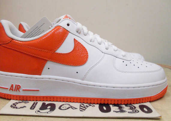 air force 1 orange and white