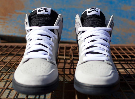 97f17c541de1 hot sale Civil x Nike SB Dunk High Magnet Medium Grey ...