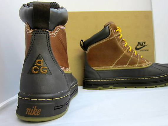 brown acg nike boots