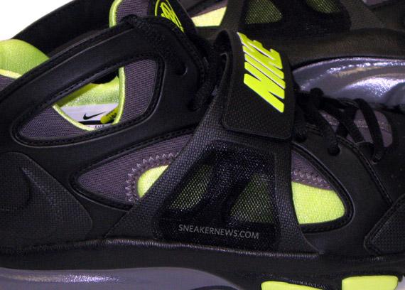 Nike Air Force 1 LV8 Big Kids' Shoe. Nike