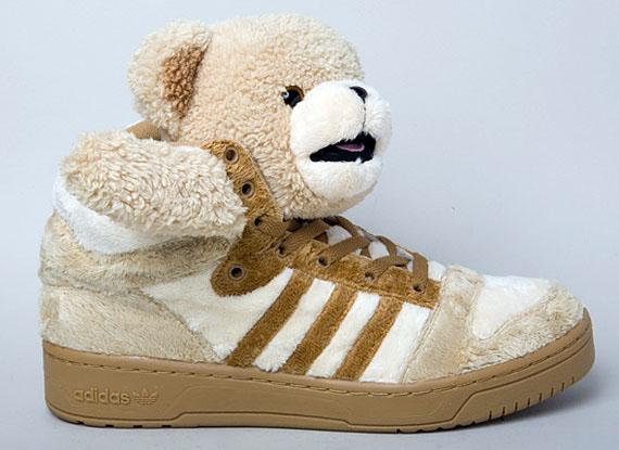 Río Paraná Lágrima extraer  Jeremy Scott x adidas Originals Teddy Bear - Brown - SneakerNews.com