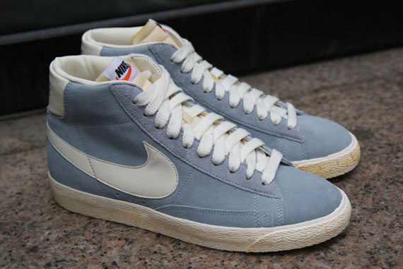 on sale acf95 dfeea Nike Blazer High VNTG QS - Gold Dart + Blue Grey  New Images