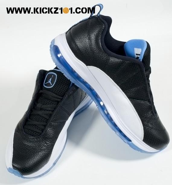 Jordan CMFT Max Air 13 White Black shoes